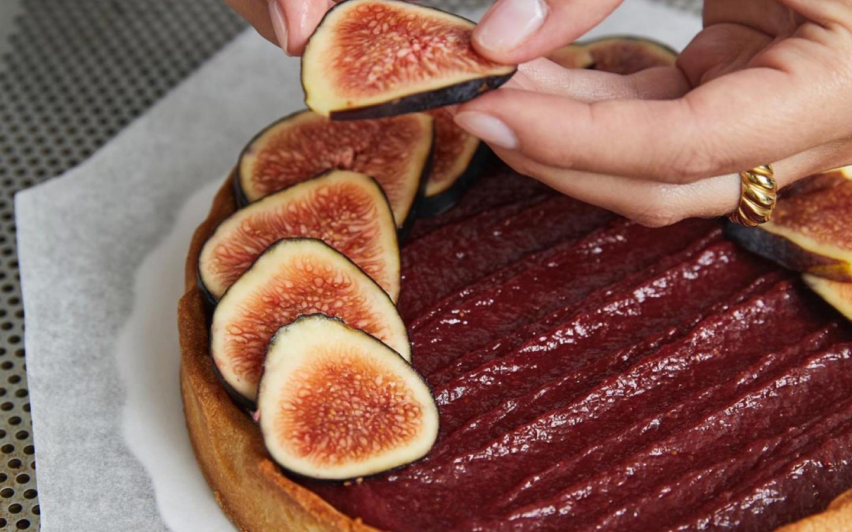 Préparation de la tarte aux figues